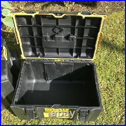 Dewalt Set of 3 Toughsystem 2.0 Tool Boxes with integrated Trolley
